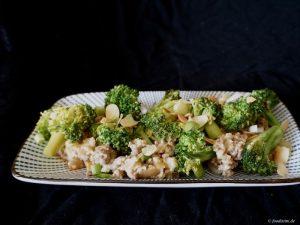 Foodistini Rezept für Brokkoli mit Couscous-Hack